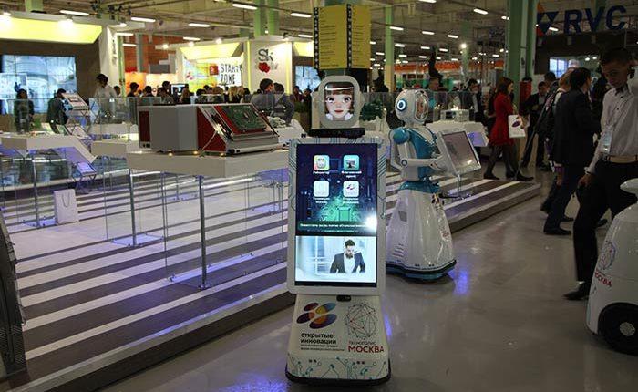 Аренда роботов промоутеров