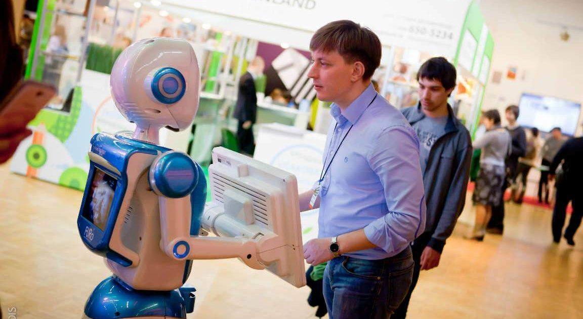 Роботы на выставке «Дизайн и реклама» 2014