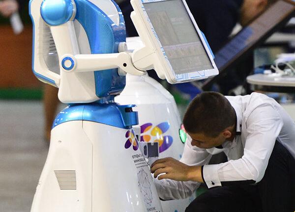Сервисное обслуживание промо роботов