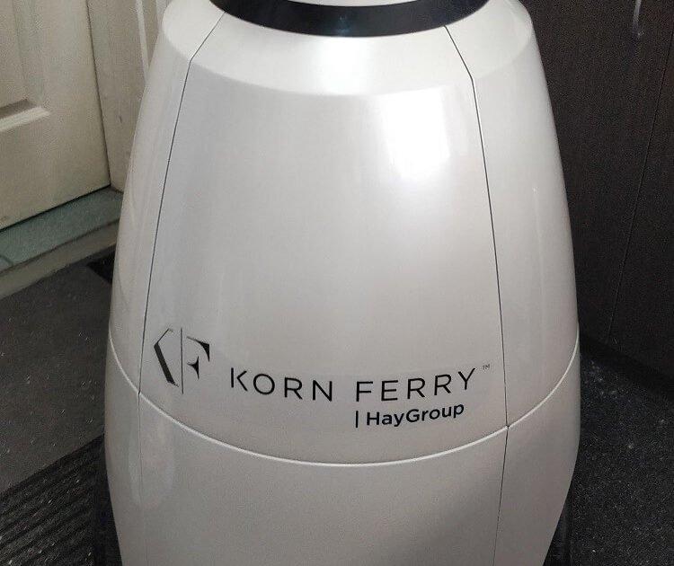 Внутреннее мероприятие для сотрудников Korn Ferry Россия и Казахстан на тему «Искусственный интеллект». Робот R.Bot 100