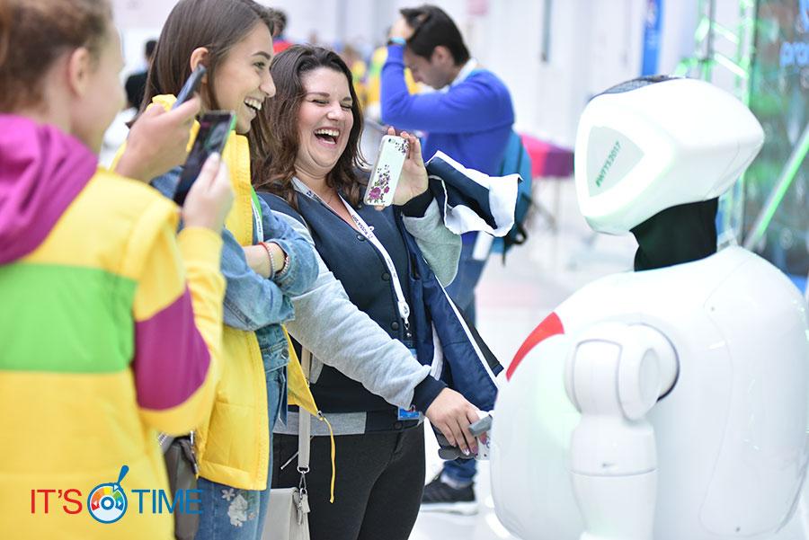 Аренда робота на мероприятие